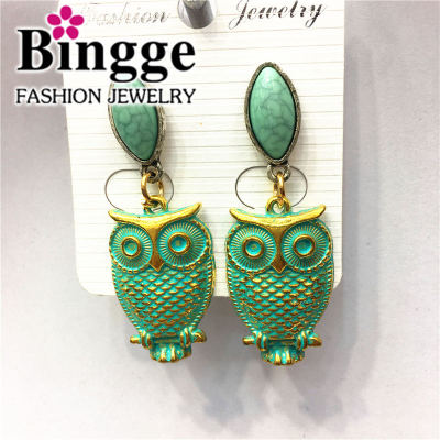 Manufacturer direct selling retro alloy earrings
