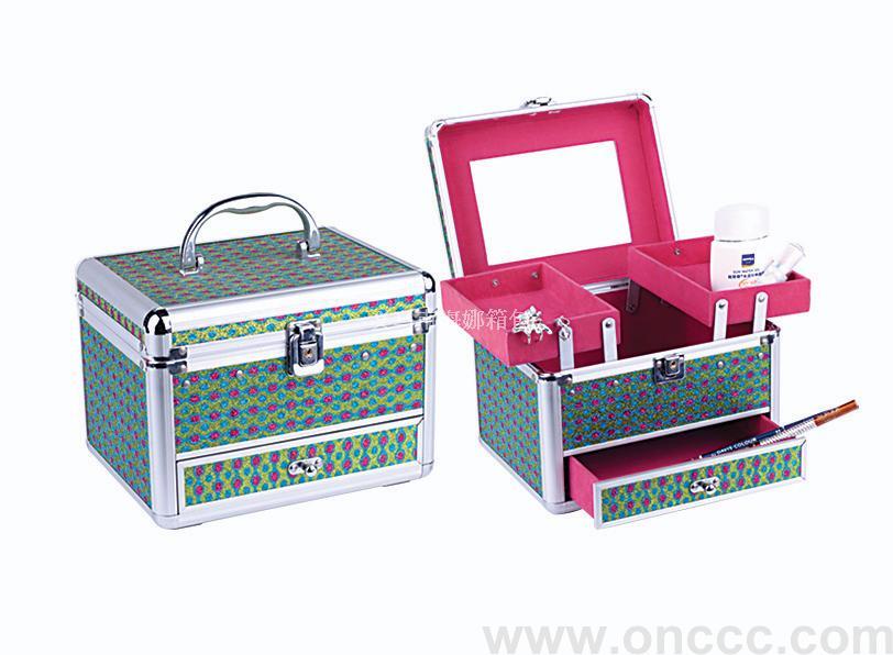 义乌市伴旅箱包有限公司(海娜铝箱)