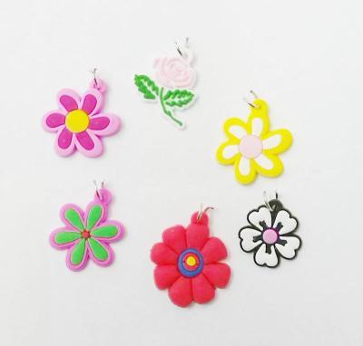 Knitting cartoon pendants pendants tie accessories mixed Yiwu factory materials, environmentally friendly