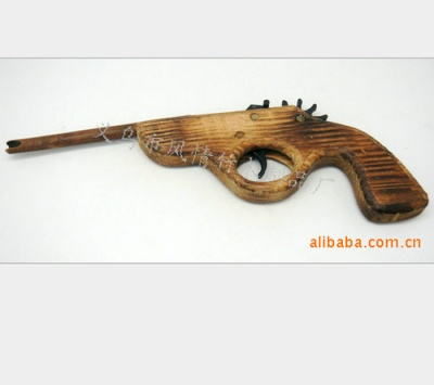 Wholesale supply of crafts/bamboo crafts/tourism/long guns/toys/wooden apron