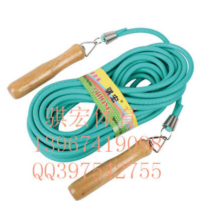 Student tests the standard jump rope fitness lose weight jumping rope skipping rope with wooden handle groups jump rope