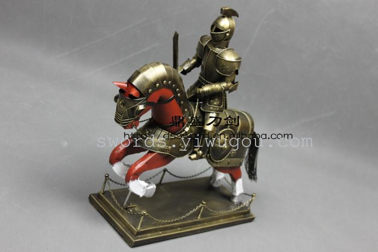 供应中世纪 欧式盔甲 骑士骑马带座 金色 办公装饰等