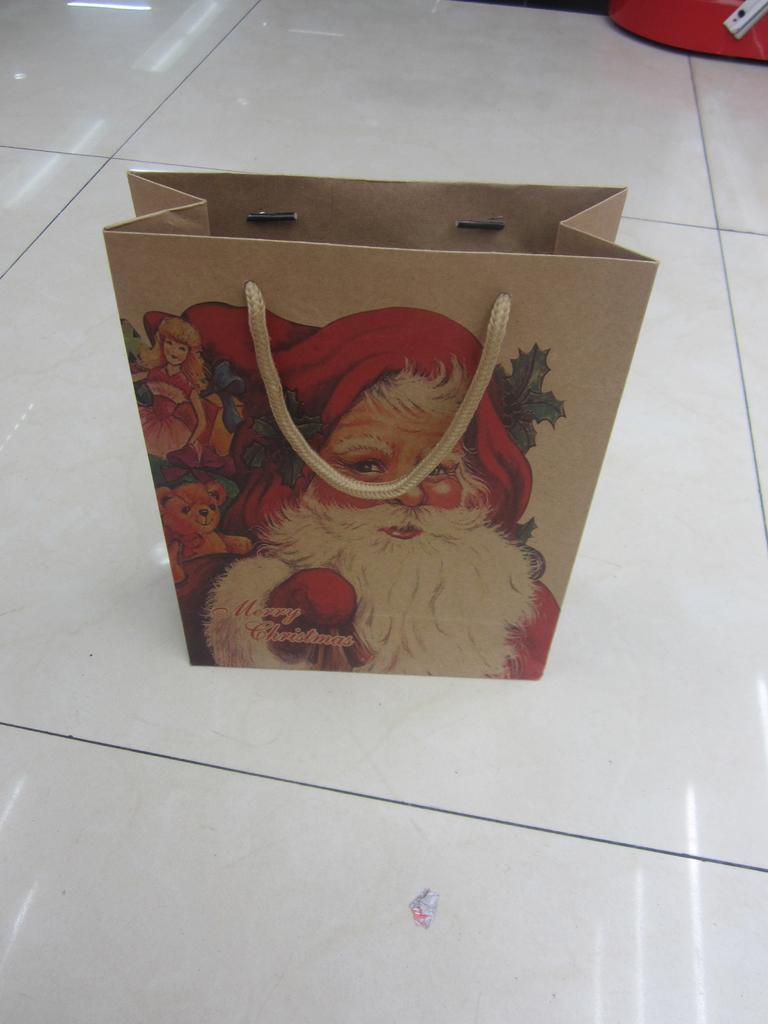 圣诞牛皮纸袋手绘画_手绘