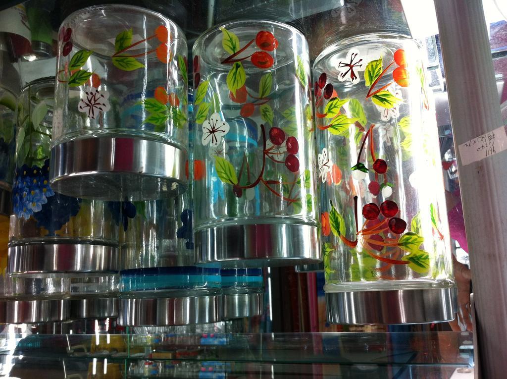 手绘密封玻璃瓶_ 宇航玻璃杯器皿_ 义乌国际商贸城四