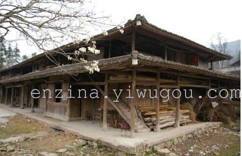 老式农村木结构房子木屋/木别墅/度假木屋回收出售
