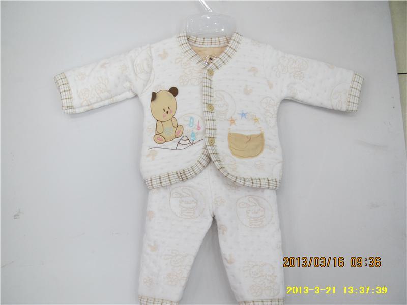 小孩的衣服编制图案