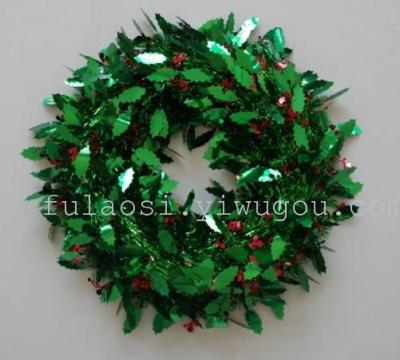 Christmas festive ornaments pendant pendant red fruit green leaf wreath
