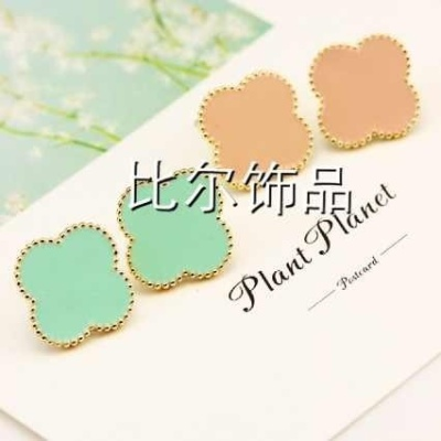 Fresh, sweet and elegant summer ice-cream-colored drops of oil four-leaf flower Stud Earrings ear clip Lady