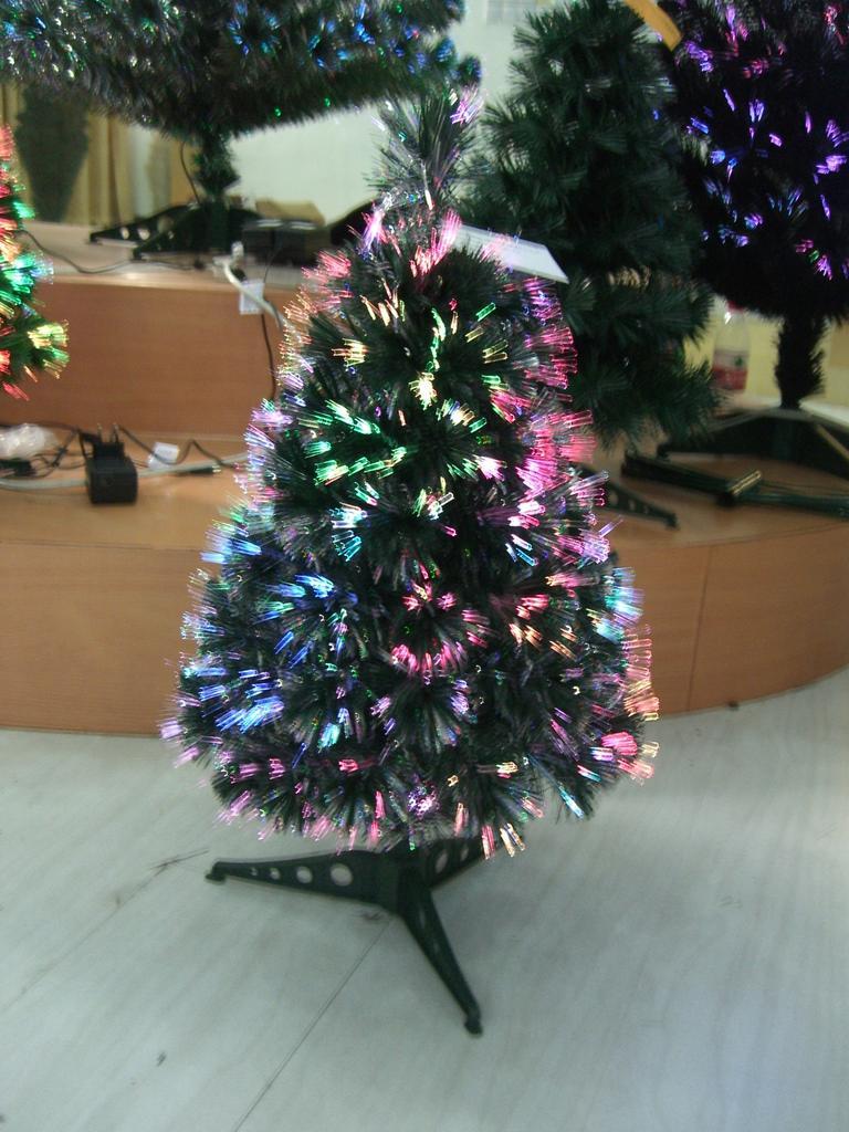 圣诞开心鬼 提莫价格_圣诞树价格_圣诞旋转木马价格