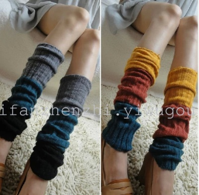 Worsted stockings cover the tri-color stitching striped knit pile watao