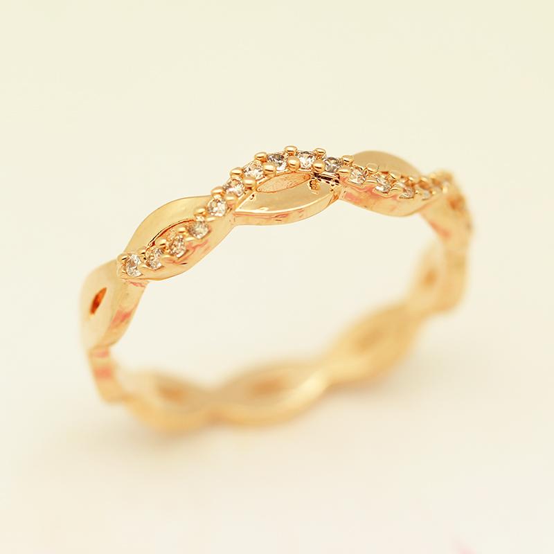金属玫瑰金戒指