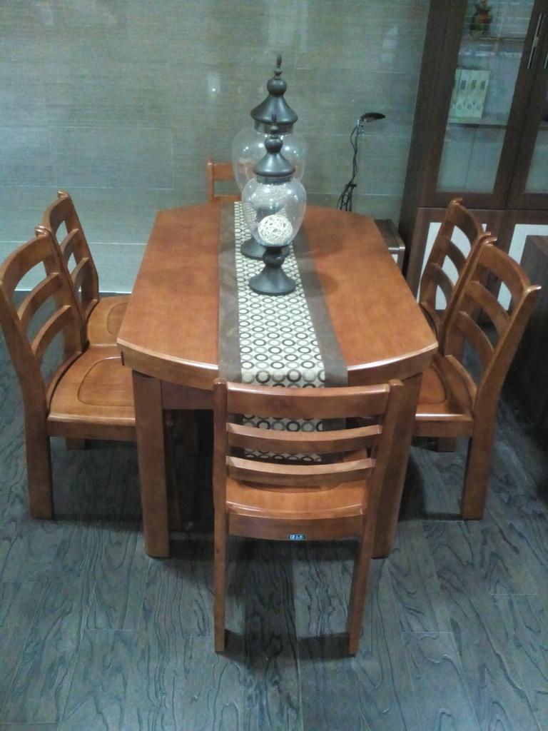鼎高,餐桌 6把餐椅,橡木材质