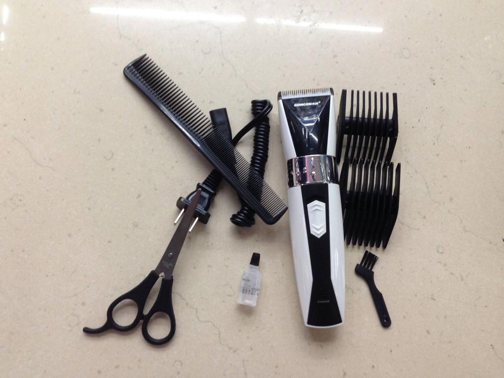 光科6035成人理发器儿童电推子充电动剃头刀静音婴儿