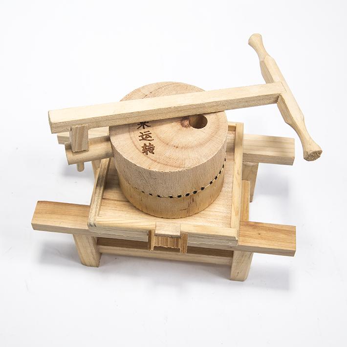 产品名称:工艺品 木质石磨产品编号:001材质:木头