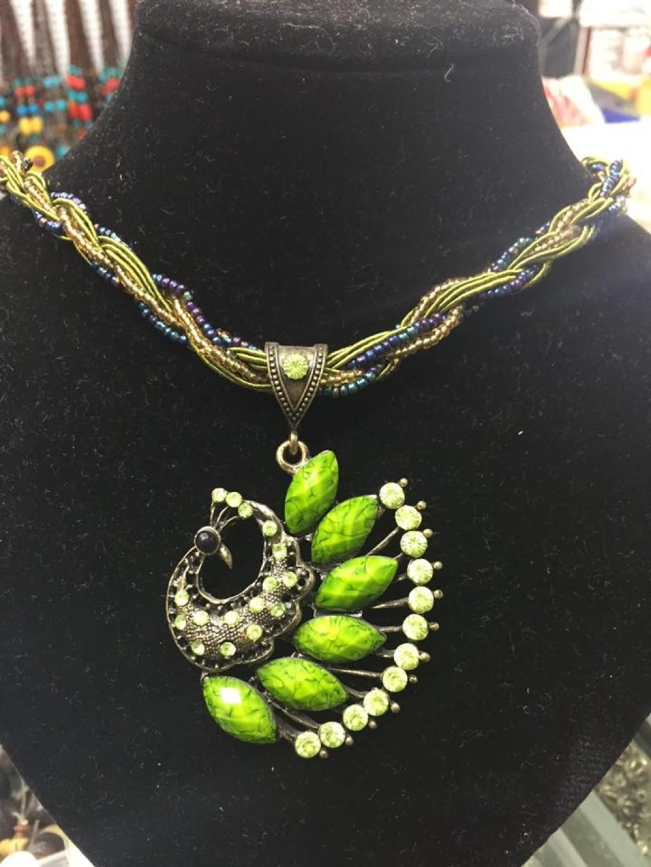 收藏商品 更新时间:2014-12-05 15:30         彩绳米珠项链,每款花型