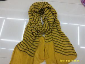 新款式高质量高技术流行款式颜色新颖提花红色围巾
