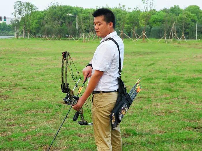 军兴景区复合弓体育小将专用器材竞技射箭狩澄迈海南美浪湾高尔夫球会图片