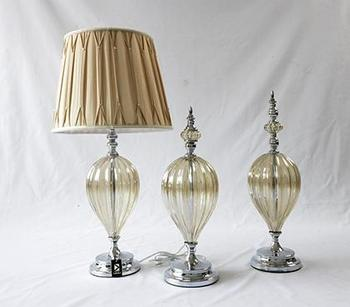 Simple and modern neo-classical American style soft living room art home accessories home glass ornaments and vases