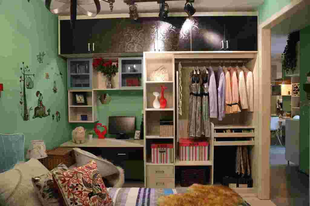 主卧衣柜带书桌