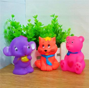 宝宝洗澡戏水玩具 会发声音的各种可爱动物 搪胶捏捏叫儿童玩具