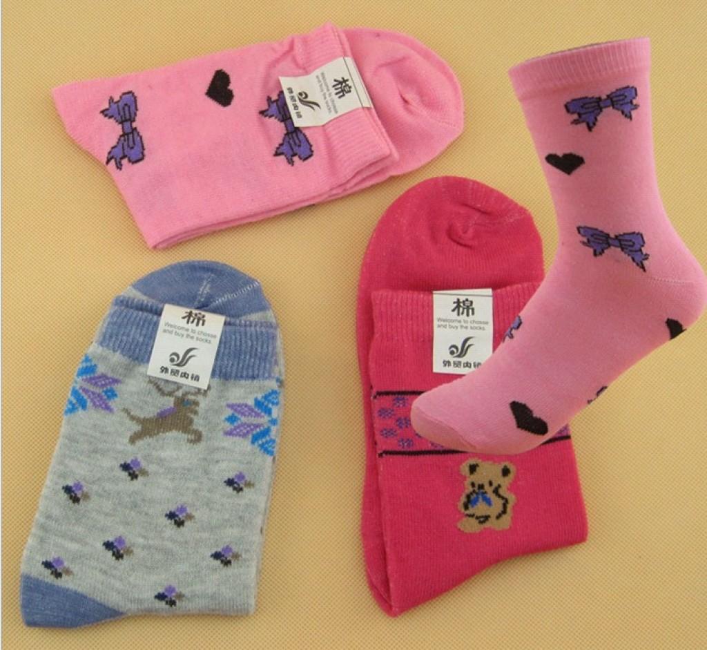 多彩中筒女袜 休闲女士提花中筒卡通涤棉袜 女袜