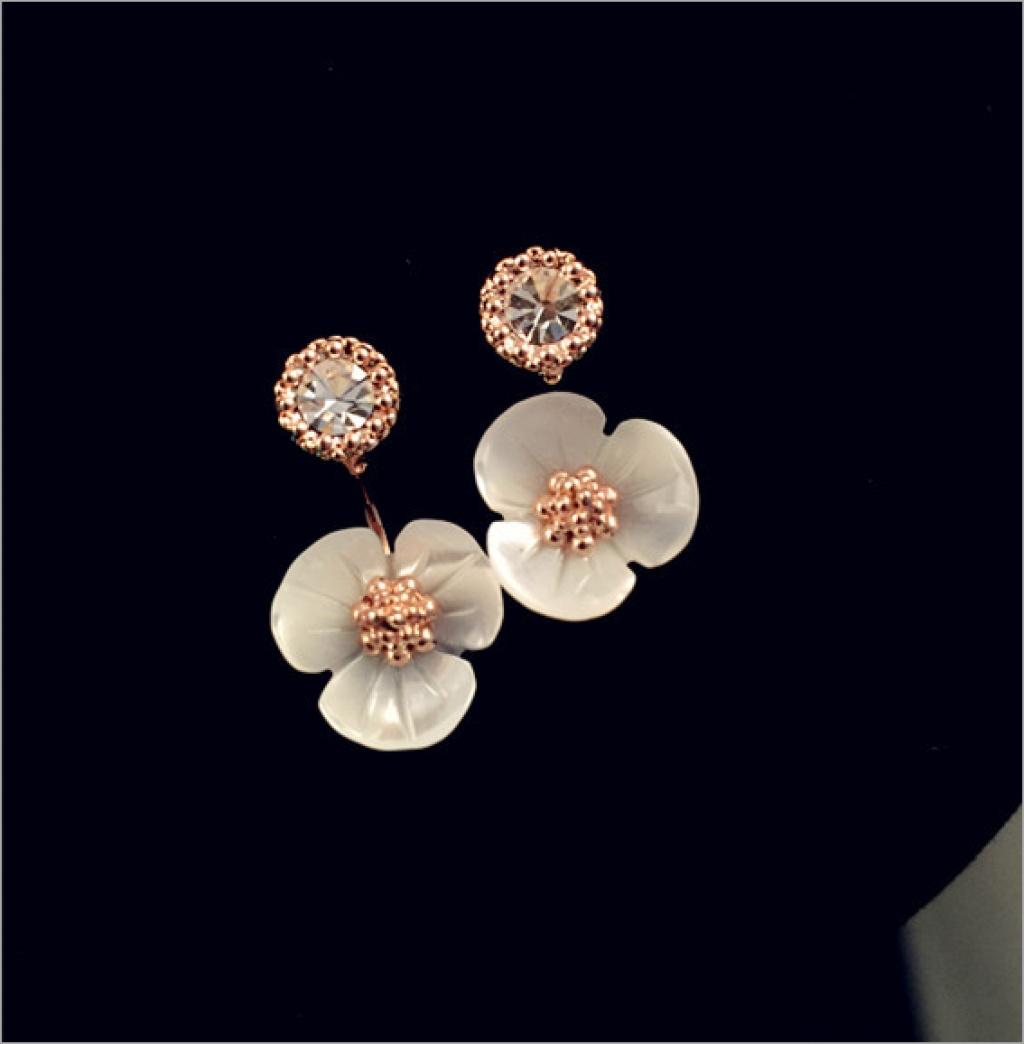 韩国高档天然贝壳小清新花朵水钻防过敏时尚可爱耳钉耳环