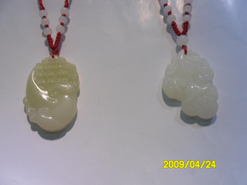 天然石白玉石镂空雕吊坠玉石雕刻吊坠玉石雕刻花纹