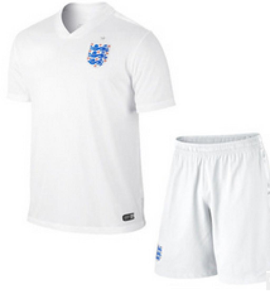 足球服套装组队运动服选什么牌子好 同款好推