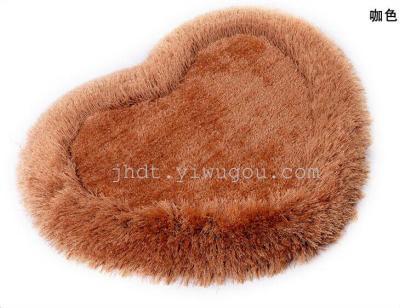 Thick super soft silk heart-shaped rug