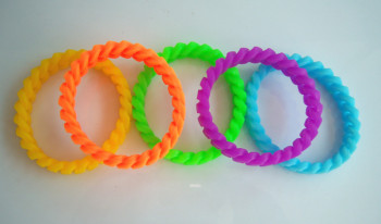 Hollow silicone bracelet silicone bracelet Hemp flowers color silicone bracelet chain rubber ring