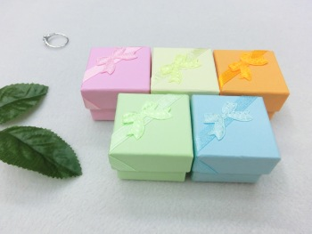 Flat-color ring ears small 4*4*3CM jewelry packaging gift boxes