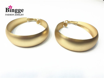 Latest fashion accessories matte gold c-ear green-coloured Stud Earrings