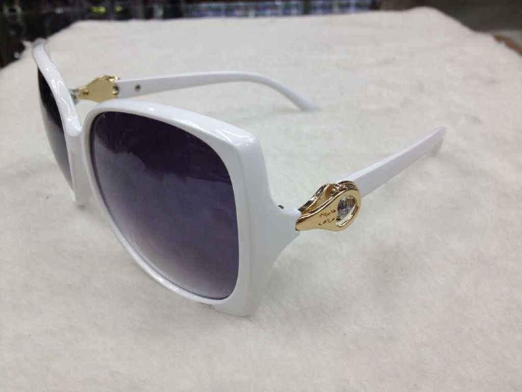 fashion trends glasses  shipments sunglasses