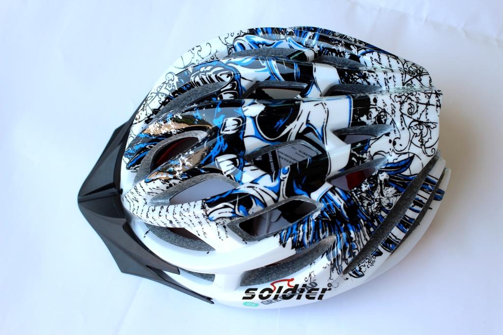 自行车头盔安全帽 最新款23孔一体成型骑行头盔//涂鸦头盔