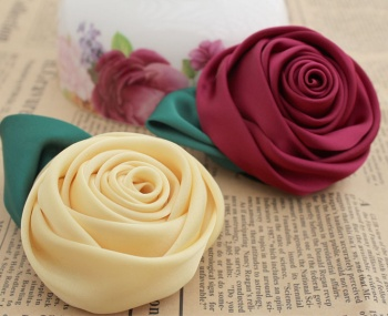Children's brooches Handmade flowers wholesale artificial flowers rose flower tiara costume materials