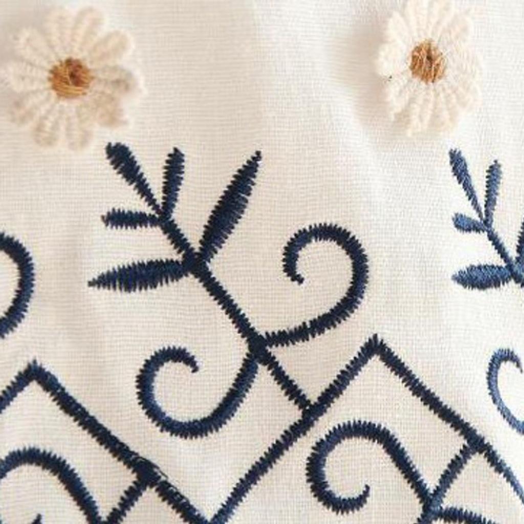 2015夏季新款刺绣花朵白色短袖时尚连衣裙