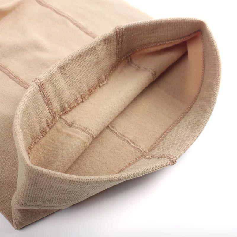 秋冬の長い毛糸の下着のパンツのパンティーストッキングの厚い単層チャコールのレギンス足を磨いた