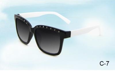 Girls ' generation the original color sunglasses Valentino trend rivet 2322