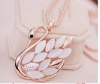 Korean version of the elegant Opal Swan necklace, long necklace
