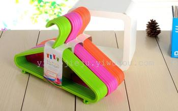 Manufacturers selling candy-colored plastic child baby children kids clothes hangers clothes hang 801050
