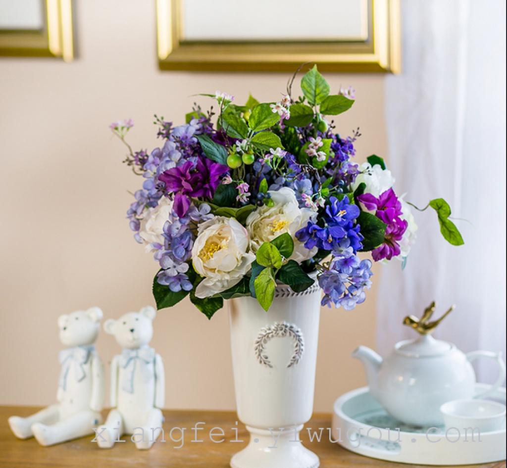 欧式茶几桌面的花图片