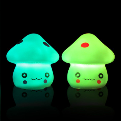 Creative color changing mushroom small Nightlight stall selling