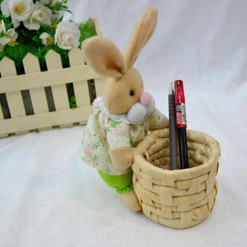 手工玉米皮编复活节工艺品兔抱插花篮 创意环保时尚笔筒