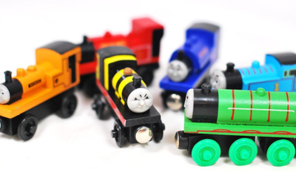 托马斯小火车头幼儿园礼物
