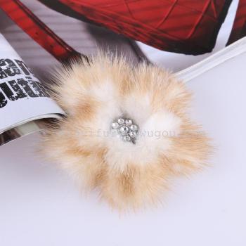 ファイブフラワーブローチミンクのヘッドドレス・アクセサリーを売っているメーカー