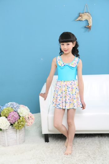 2015 small flower conjoined children's swimsuit