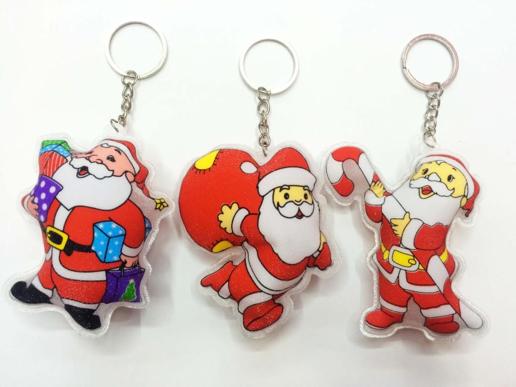 Supply Christmas gifts wholesale Santa Claus Christmas tree key pendant-