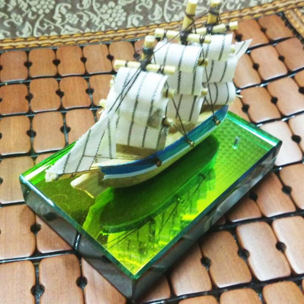 新品手工帆船 水晶底纯手工制作一帆风顺汽车香水座