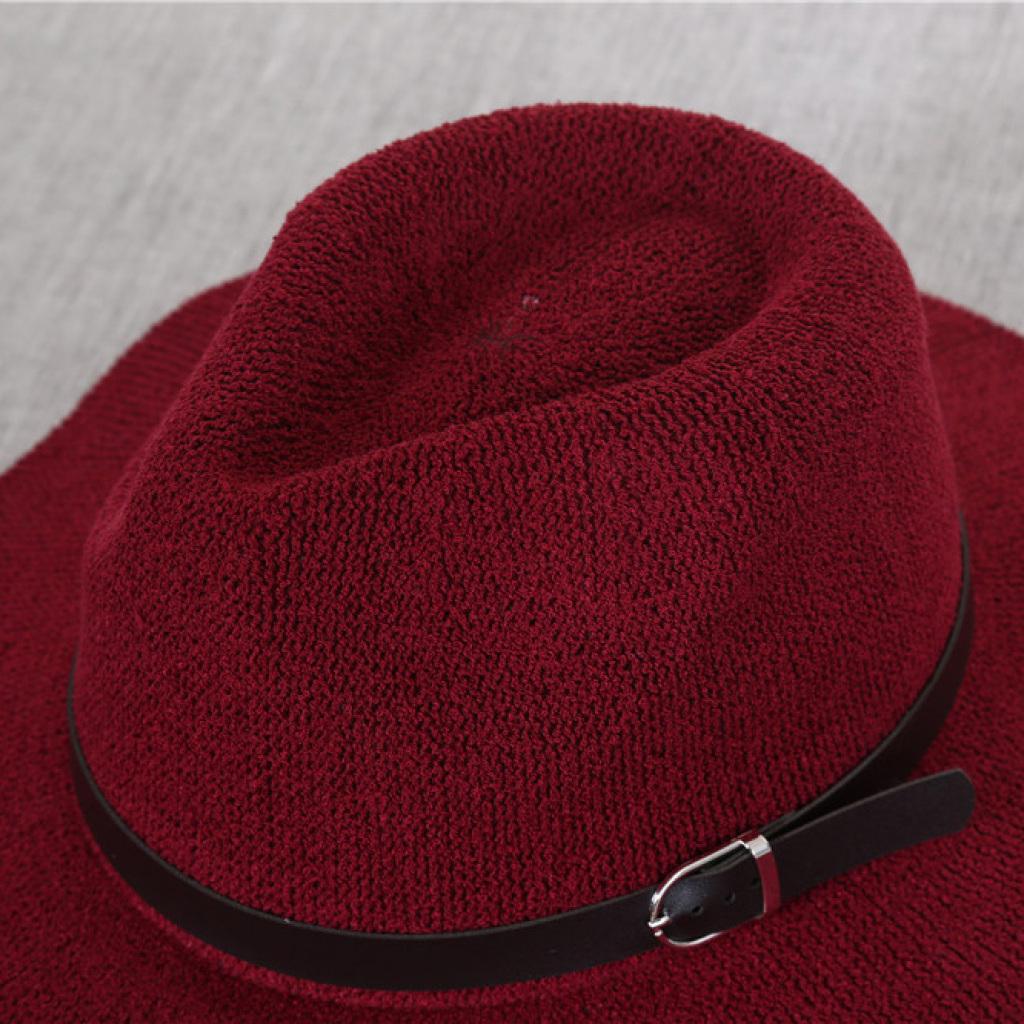 円の糸のバックルの暖かい冬の帽子の帽子の帽子に沿って平らなジャズ