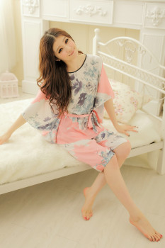 The 2015 summer ladies suit BianFuShan code silk pajamas